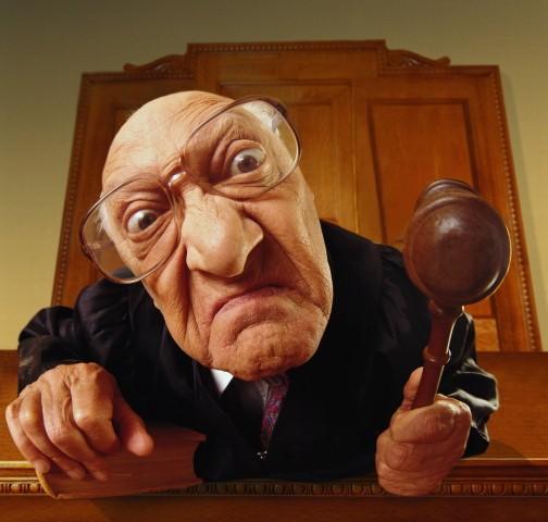 Нас ждал шок: наглый судья весь процесс жевал жвачку